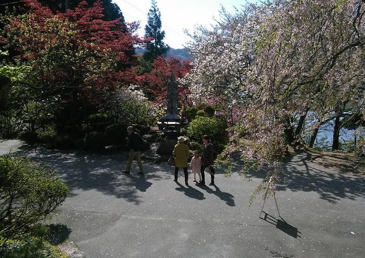 漢詩 五月二日  村のお婆さんが九十九才で亡くなられたので哀悼