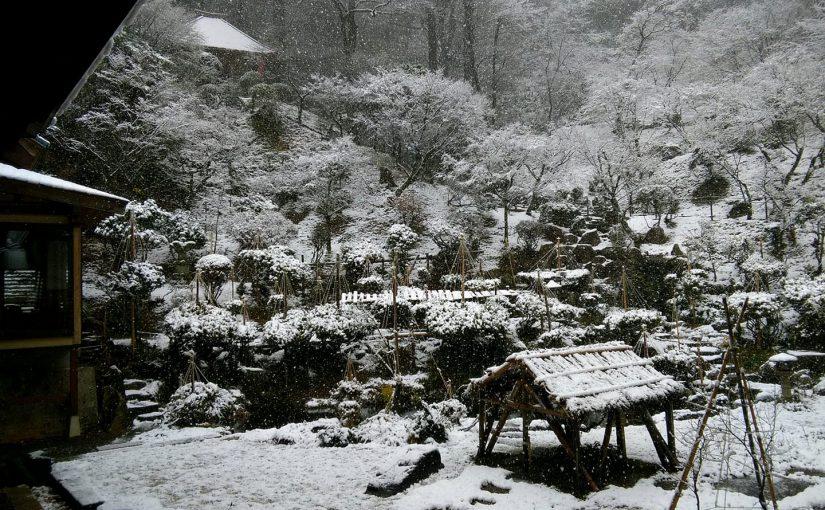 漢詩 12月8日 雪になりました。 昨日九十六才のご婦人が亡くなれました。