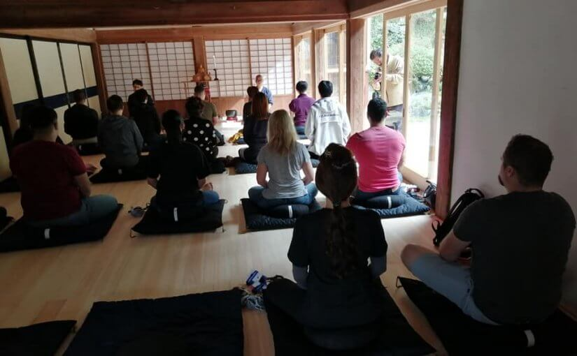 10月21日 アクアデザインアマノさん(あのアクアリウムで有名な世界のアマノさんの会社) 外国の方20人ツアーで坐禅と食事で2時間滞在でした。