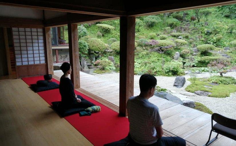 6月27日 朝5時からの坐禅に新潟市から2名参加。 気持ちが良い風が吹く新潟県村上市です。
