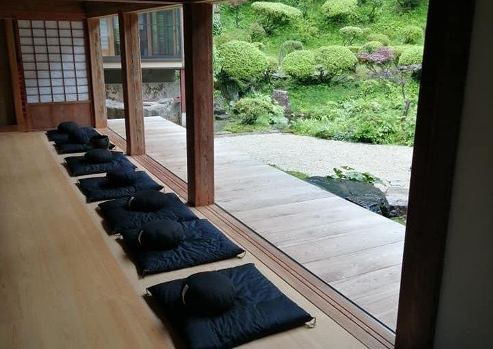 8月7日 本日は放課後児童支援から20人が坐禅体験でした。