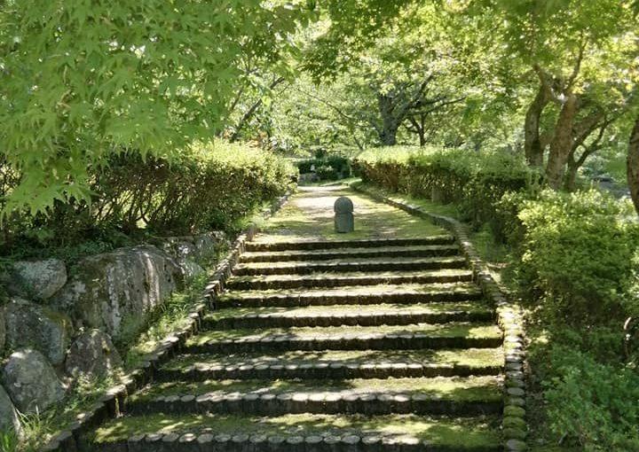7月1日 石川県羽咋市の永光寺で勉強です。私の受け持ちは午前と午後と夜で三日間。生徒は七人(七人のサムライの中 女性一人。)